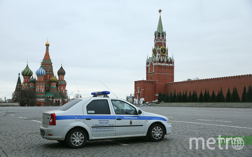 Режим повышенной готовности, который действует сейчас в столице, предполагает целый ряд ограничений москвичей в передвижении. Фото Василий Кузьмичёнок