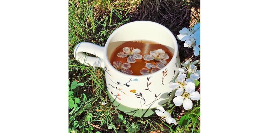 """Слизистые должны быть всегда увлажнёнными, должны получать достаточное количество жидкости. Пейте воду с лимоном или травяные чаи. Фото Instagram @ben1burcu, """"Metro"""""""