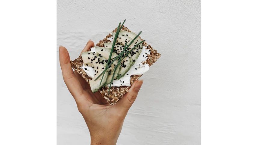 """Сухарики можно заменить хлебцами. Фото Instagram @sigdalbakeri, """"Metro"""""""