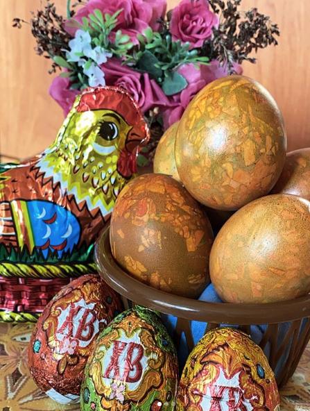 """Коричневно-зелёные яйца. Фото instagram@ lina57_gw, """"Metro"""""""