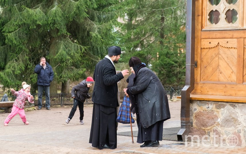 Освящение куличей в Вырице. Фото Алена Бобрович
