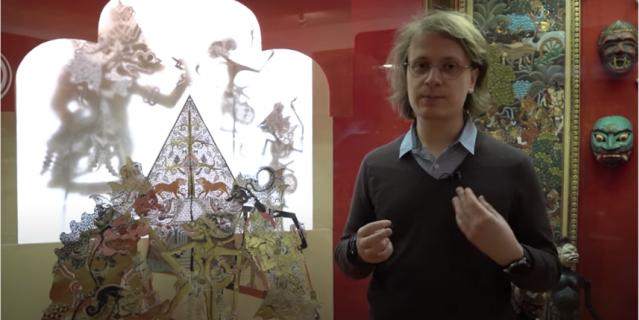 Никита рассказывает об искусстве востока.