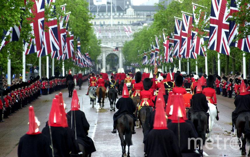 """Несмотря на то, что Елизавета II родилась в апреле, официальное празднование и парад """"Trooping the Colour"""" проходят в июне. Архивное фото. Фото Getty"""