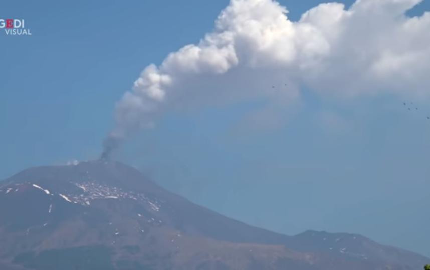 Вулкан Этна проснулся. Фото Скриншот Youtube