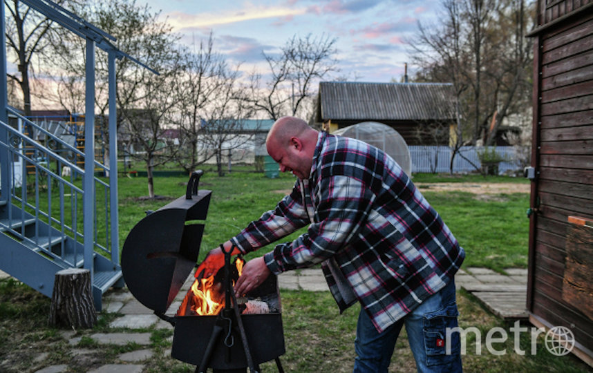 9% соберут друзей на шашлыки. Фото РИА Новости