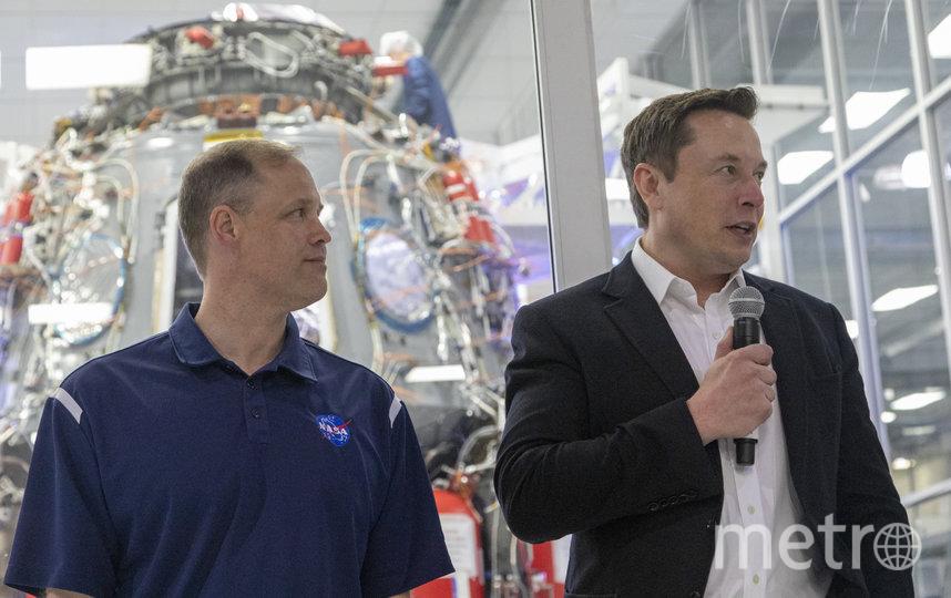 Директор НАСА Джим Брайнстайн и основатель SpaceX Илон Маск. Фото Getty