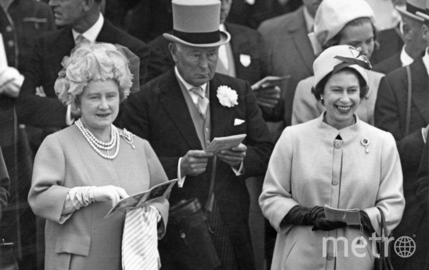 Королева Елизавета II (справа). 1963 год. Фото Getty