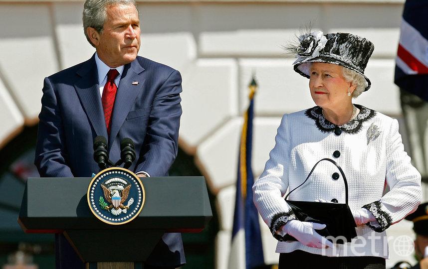 Президент США Джордж Буш-младший и королева Великобритании Елизавета II. 2007 год. Фото Getty
