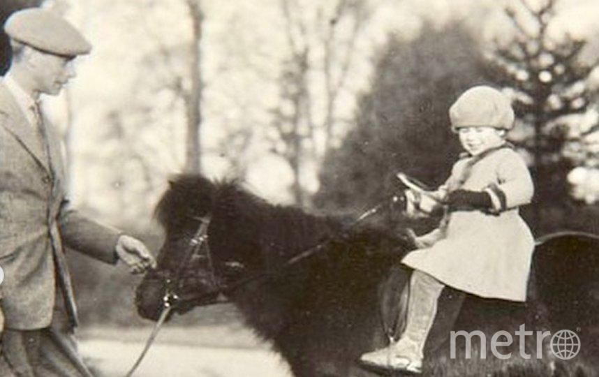 На этом снимке 6-летняя Елизавета II верхом на своём пони. Фото Instagram @theroyalfamily