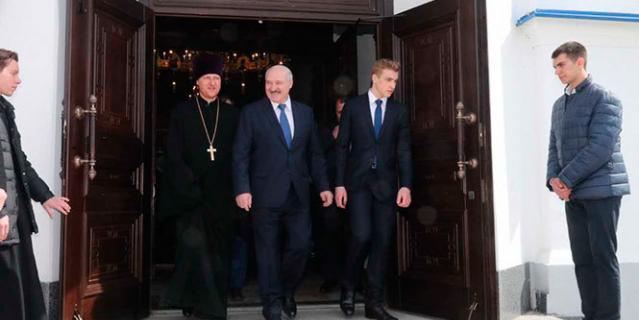 Александр Лукашенко и Николай Лукашенко.