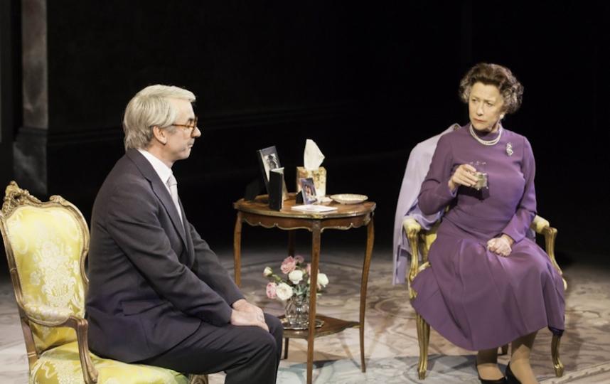 """Хелен Миррен в роли Елизаветы II в """"Аудиенции"""". Фото кадр из фильма"""