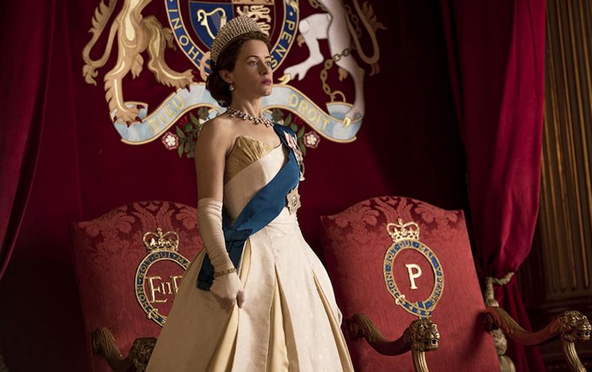 """Клэр Фой в роли Елизаветы II в """"Короне"""". Фото кадр из фильма"""