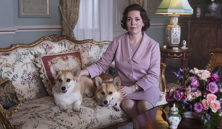 """Оливия Колман в роли Елизаветы II в """"Короне"""". Фото кадр из фильма"""