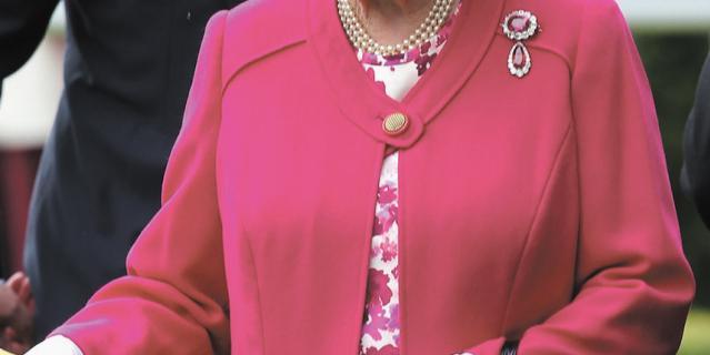 Рубиновая брошь королевы Виктории.