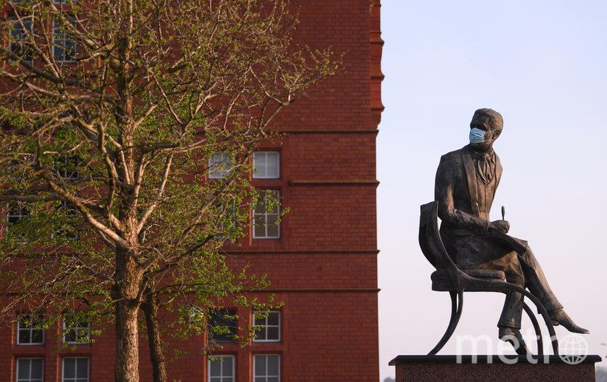 Памятник Айвору Новелло, валлийского композитора и актёра. Кардифф, Уэльс. Фото Getty