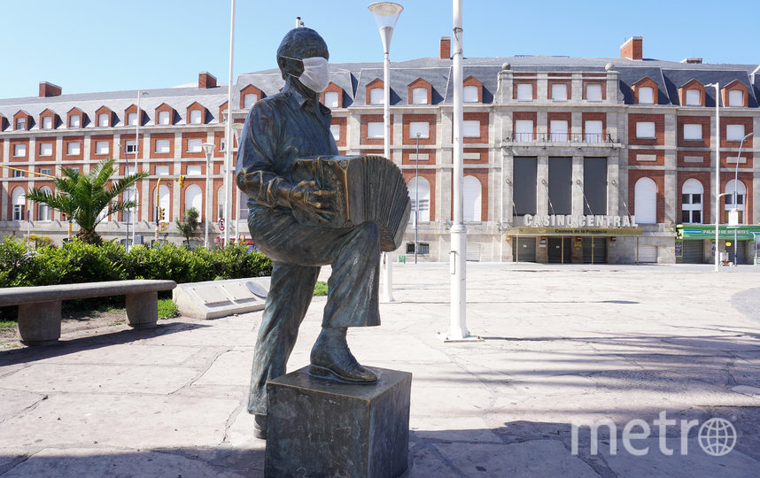 Памятник музыканту Астору Пьяццолле. Буэнос-Айрес, Аргентина. Фото Getty
