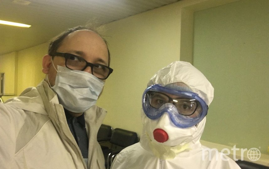 Александр Саломасов и врач. Фото предоставил Александр Саломасов