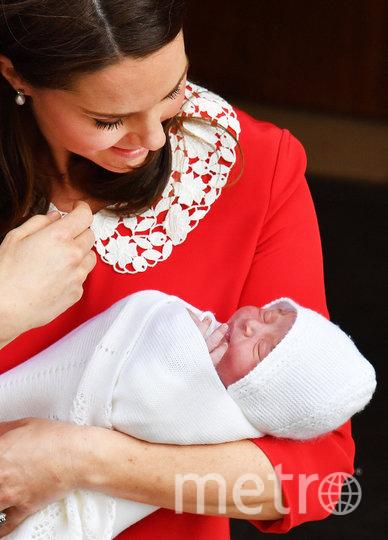 Принц Луи в день выписки Кейт из роддома. Фото Getty