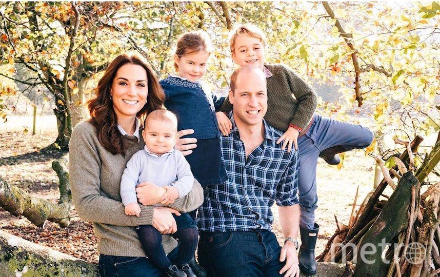 Принц Луи с родителями, братом и сестрой. Фото Instagram @kensingtonroyal