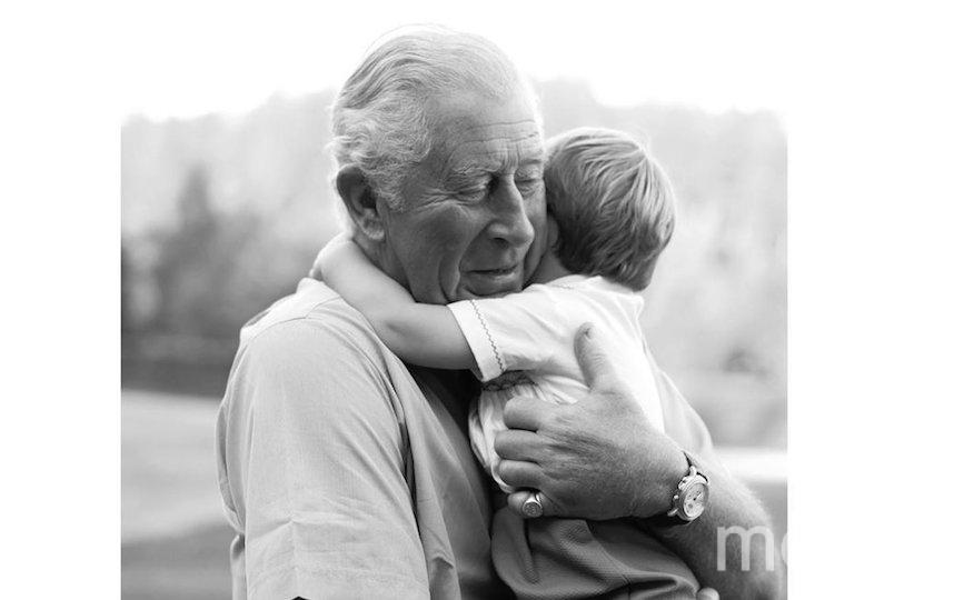 Этой фотографией принц Чарльз поздравил внука со вторым днём рождения. Фото Instagram @clarencehouse, Getty