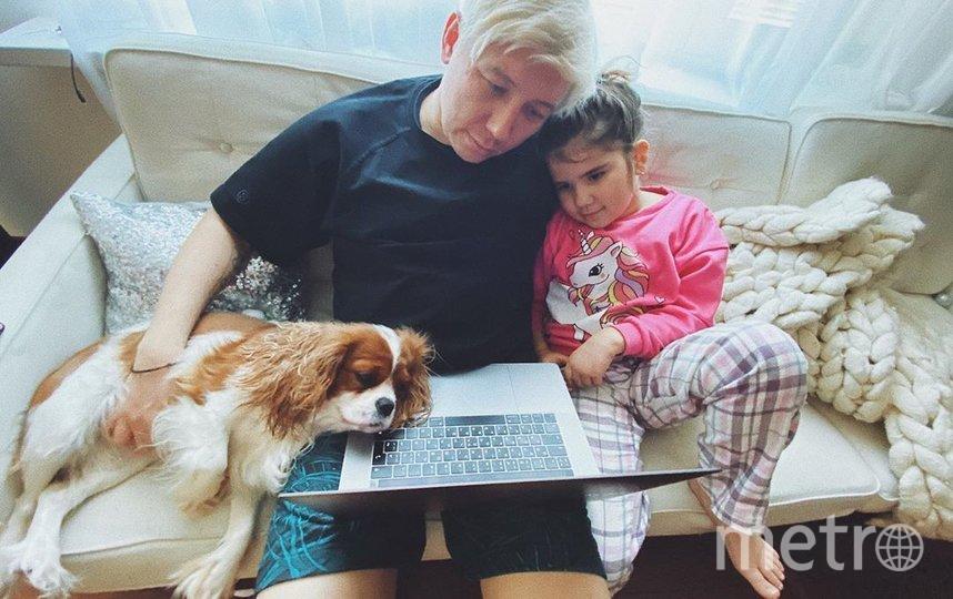 Степан Ледков проводит время с женой и детьми. Фото https://www.instagram.com/katikleinee/