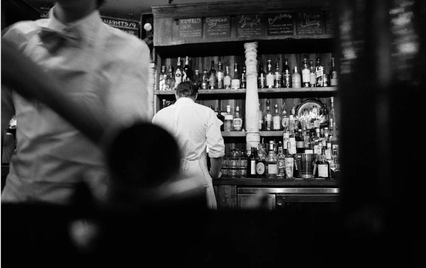 """Речь идет о так называемых """"наливайках"""", псевдопредприятиях общепита, кафе, которые работают, чтобы напоить людей. Фото pixabay.com, """"Metro"""""""