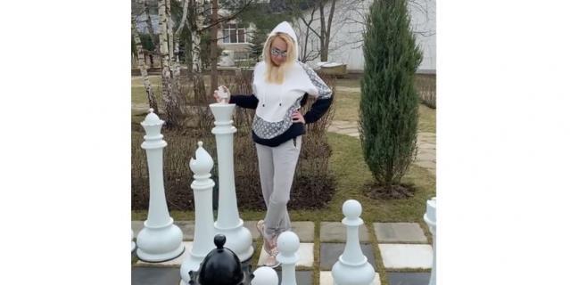 Яна Рудковская.