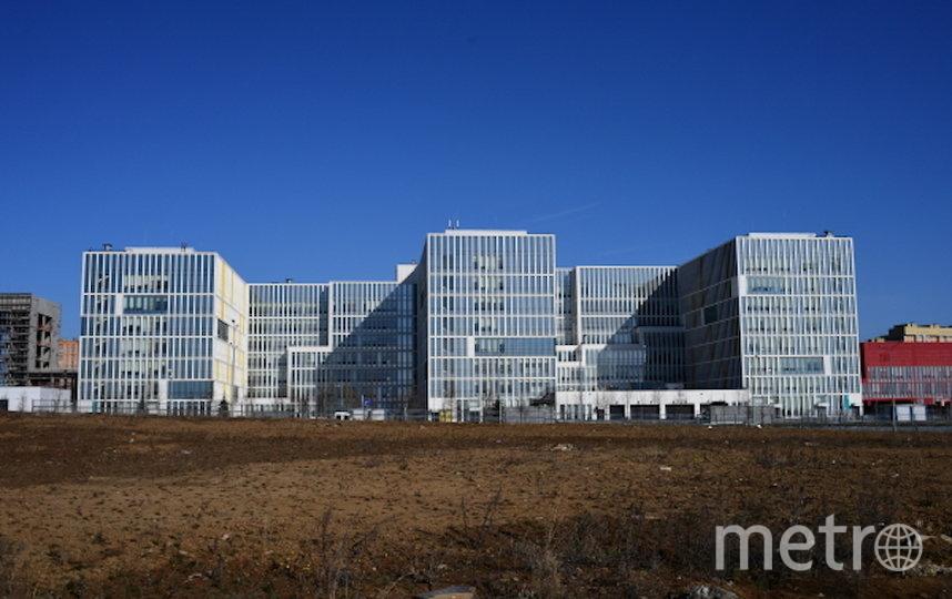 Здание больницы, предназначенной для пациентов с подозрением на коронавирус, в московском посёлке Коммунарка. Фото РИА Новости