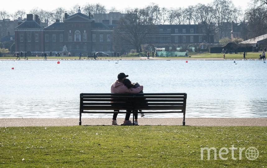 Европейцы начинают выходить в парки. Фото Getty