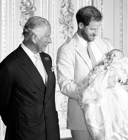 Принц Гарри с отцом принцем Чарльзом и с сыном Арчи. Фото Instagram @sussexroyal