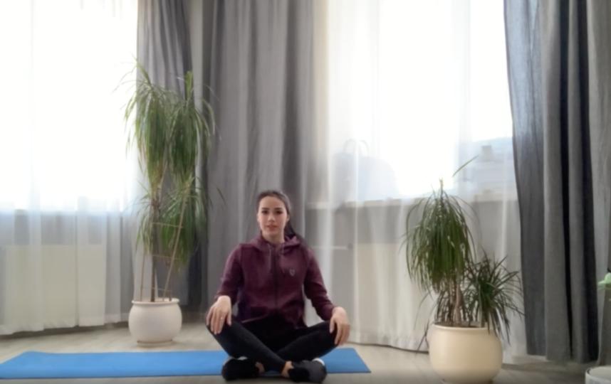"""""""Вы большие молодцы"""", – фигуристка Алина Загитова в конце тренировки всегда хвалит своих зрителей. Фото скриншот видео yandex.ru/efir"""
