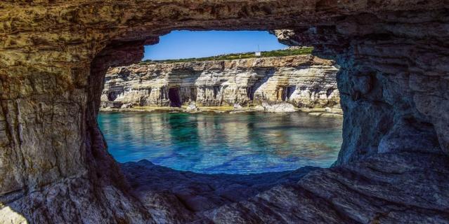 Гроты и пещеры Греции.