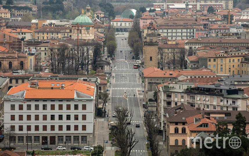 25 марта. Пустынные улицы в Бергамо (провинция Ломбарди – та самая, где была одна из наиболее тяжёлых ситуаций и большое количество погибших от коронавируса). Фото Getty
