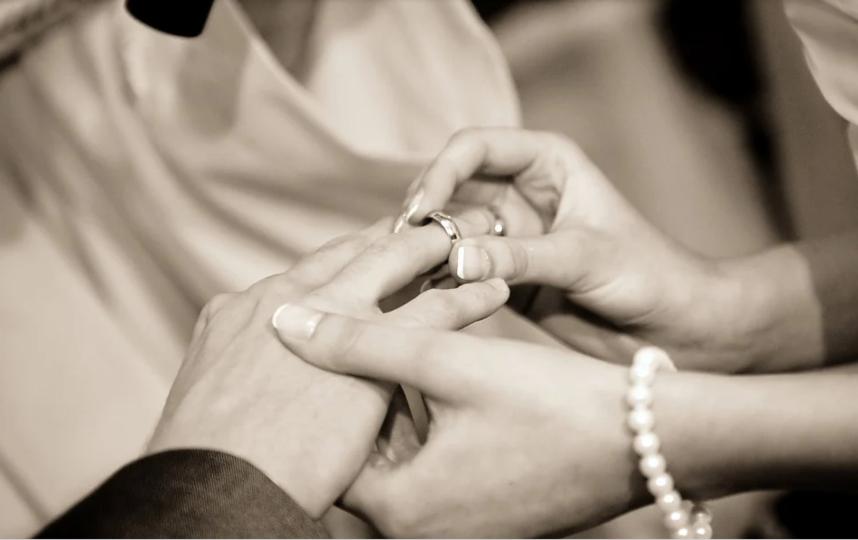 ЗАГС не снял ограничение на регистрацию и расторжение браков. Фото pixabay.com