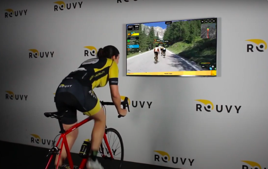 Виртуальные гонки велосипедистов стали реальностью. Фото Скриншот Youtube