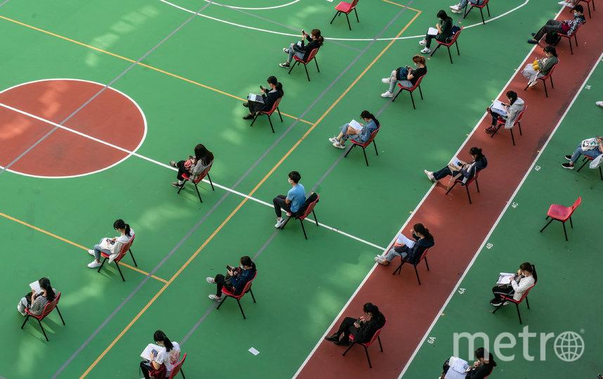 Дистанция не менее метра соблюдается между учениками. Фото Getty