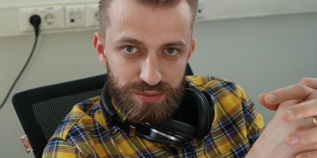 Илья Кузнецов (Московская область, Подольск) запретил себе думать, что жизнь в самоизоляции хуже обычной, и планирует с детьми игры на неделю вперёд.
