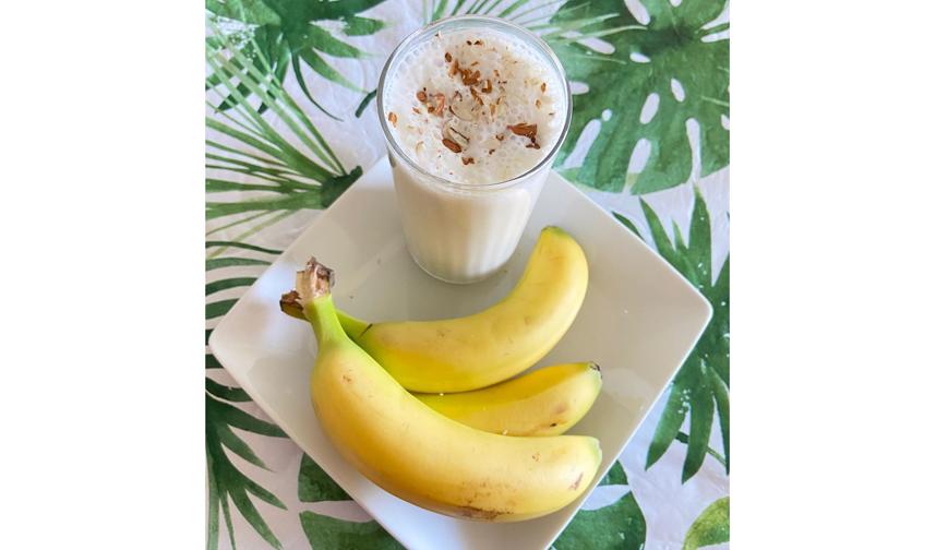 Молочный коктейль из банана. Фото instagram.com/aish_cookhouse