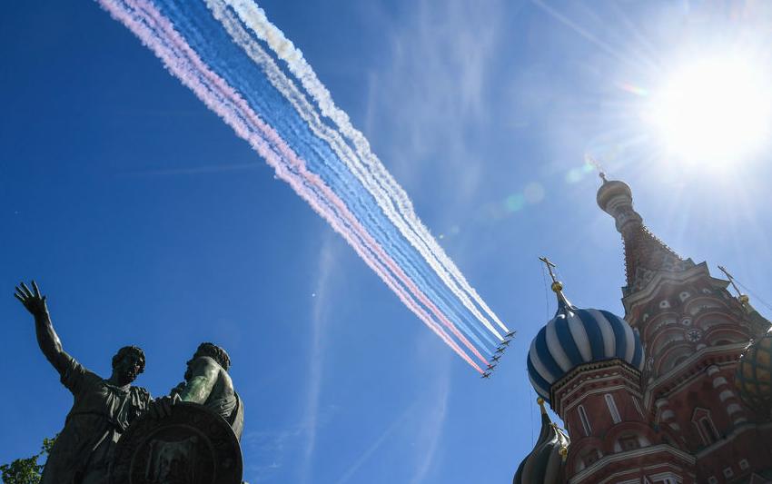 Воздушный парад пройдёт в России в День Победы, несмотря на пандемию коронавируса. Фото AFP