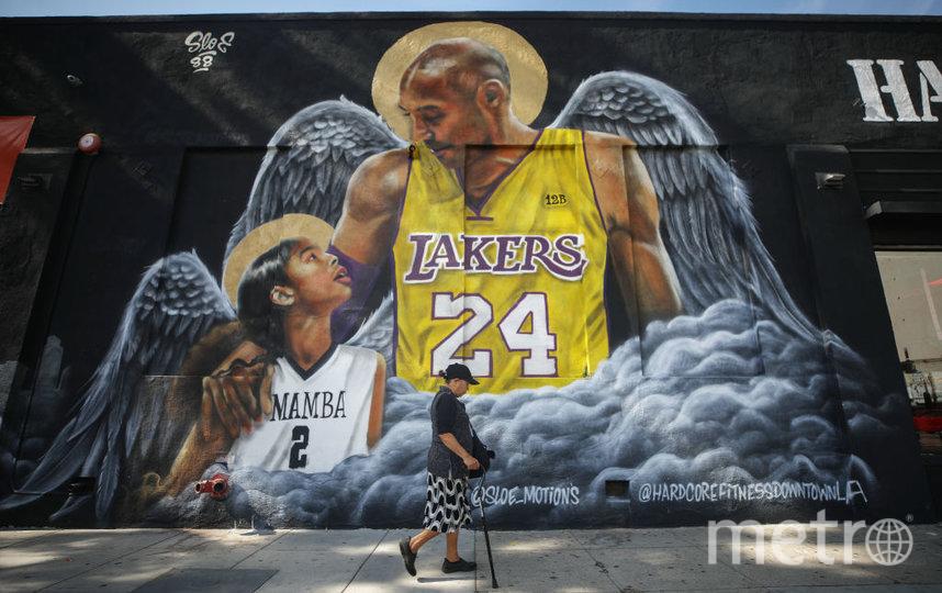 Граффити в честь погибшего баскетболиста и его дочери. Фото Getty
