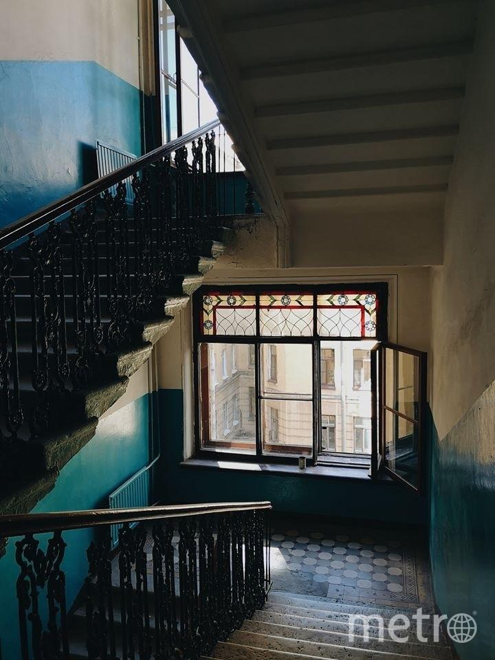Окна в доме на Херсонской улице. Фото mytndvor, vk.com