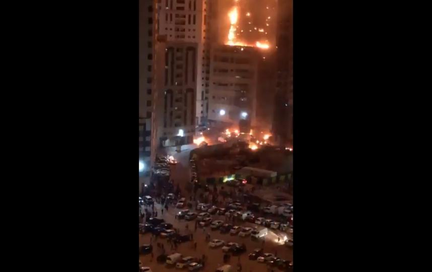 Огонь в небоскребе вспыхнул около 9 часов вечера. Фото Скриншот Youtube
