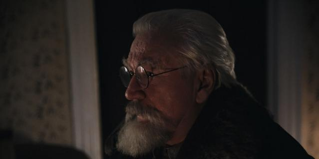 "Кадр из сериала ""Дед Морозов""."