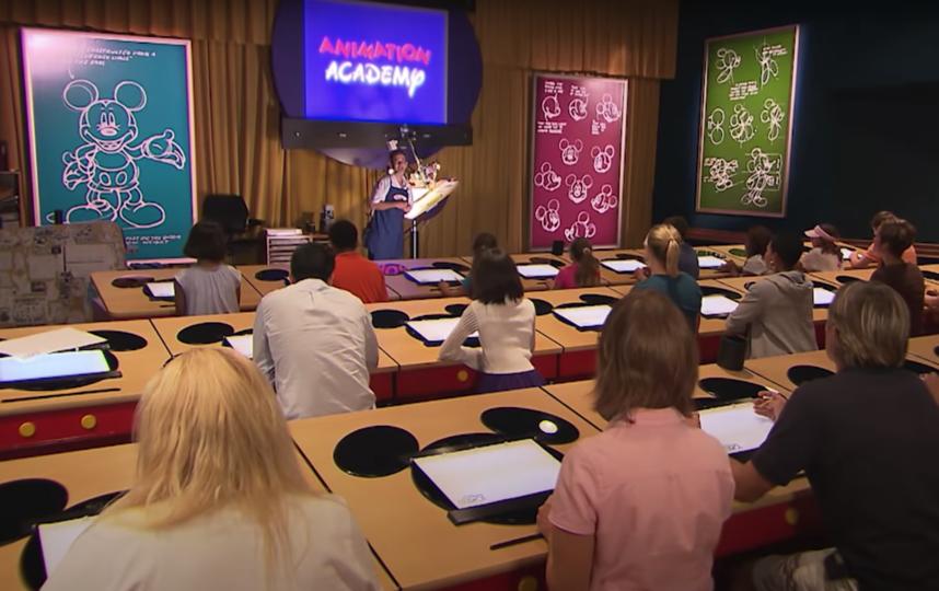 Так проходят уроки в анимационной студии Disney. Фото youtube.com/user/DisneyParks, Скриншот Youtube