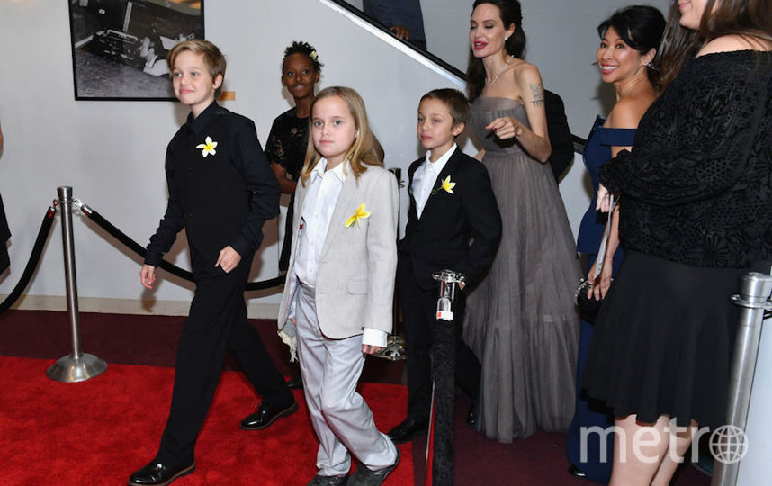 Шайло (слева) с семьей. Фото Getty