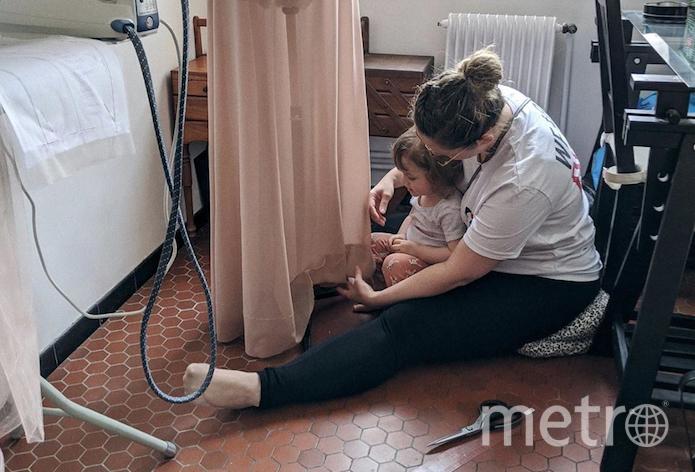 Некоторые сотрудники работают с детьми. Фото instagram.com/dior
