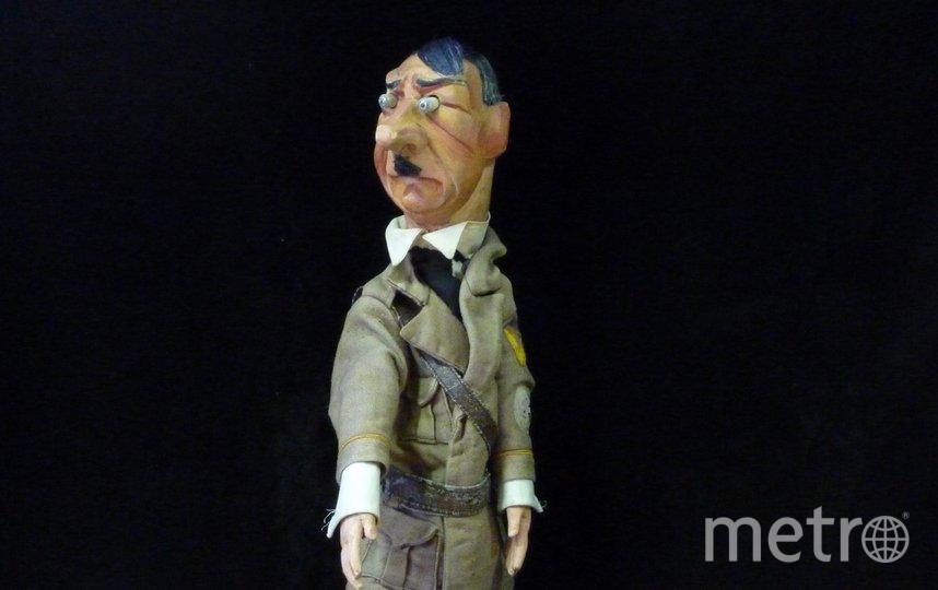 "Гитлер. Фото Театра марионеток им. Евгения Деммени, ""Metro"""