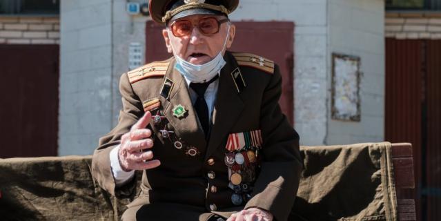 Гвардии полковник танковых войск Валентин Прокофьевич Росляков.