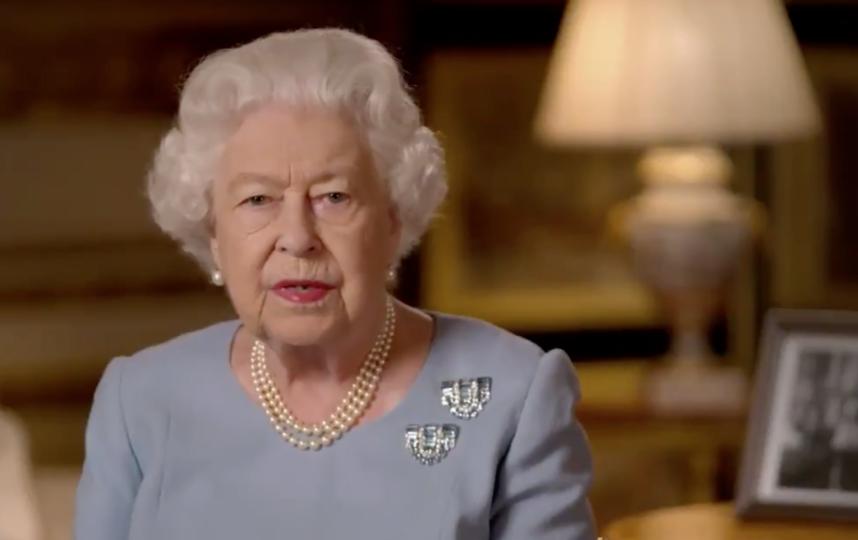Королева Елизавета обратилась с речью к британцам. Фото скриншот https://twitter.com/RoyalFamily