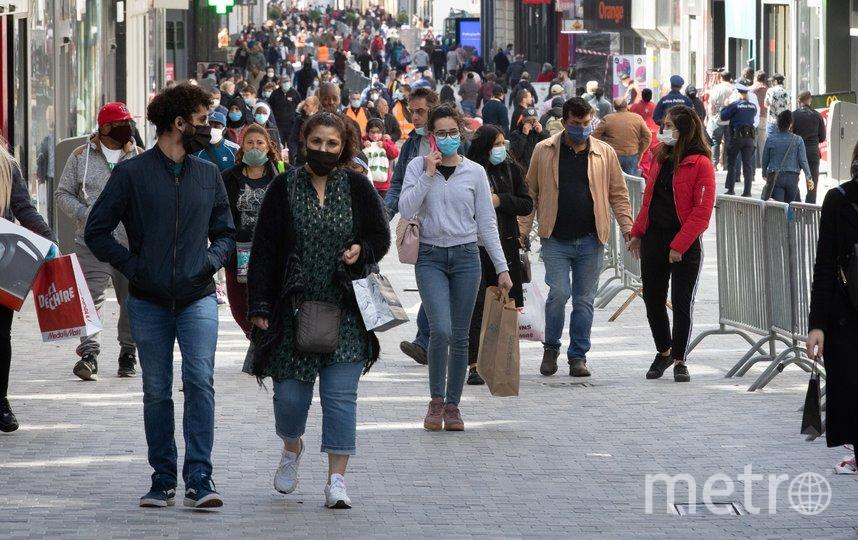 В Бельгии открываются магазины, при этом правила социального дистанцирования продолжают действовать. Фото AFP